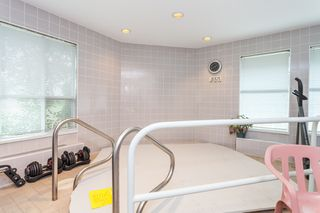 "Photo 30: 111 13959 16 Avenue in Surrey: Crescent Bch Ocean Pk. Condo for sale in ""White Rock Village (Wiltshire House )"" (South Surrey White Rock)  : MLS®# R2486697"