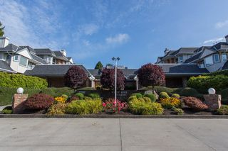 "Main Photo: 111 13959 16 Avenue in Surrey: Crescent Bch Ocean Pk. Condo for sale in ""White Rock Village (Wiltshire House )"" (South Surrey White Rock)  : MLS®# R2486697"