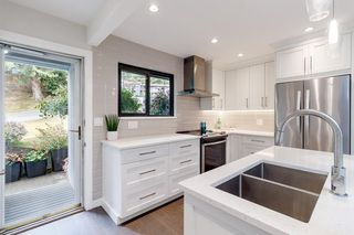 Photo 9: 932 BLACKSTOCK ROAD in Port Moody: North Shore Pt Moody Townhouse for sale : MLS®# R2485948