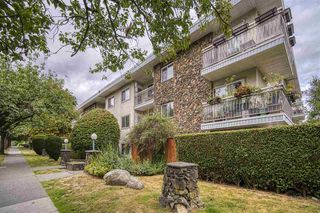 "Photo 3: 306 711 E 6TH Avenue in Vancouver: Mount Pleasant VE Condo for sale in ""PICASSO"" (Vancouver East)  : MLS®# R2501159"