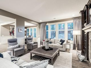 Photo 8: 22 CRESTRIDGE Mews SW in Calgary: Crestmont Detached for sale : MLS®# A1037467