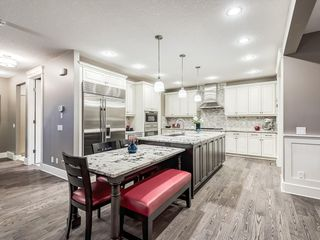 Photo 5: 22 CRESTRIDGE Mews SW in Calgary: Crestmont Detached for sale : MLS®# A1037467
