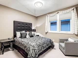 Photo 38: 22 CRESTRIDGE Mews SW in Calgary: Crestmont Detached for sale : MLS®# A1037467