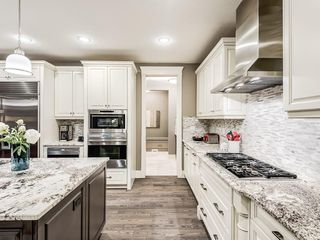 Photo 11: 22 CRESTRIDGE Mews SW in Calgary: Crestmont Detached for sale : MLS®# A1037467