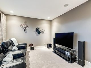 Photo 28: 22 CRESTRIDGE Mews SW in Calgary: Crestmont Detached for sale : MLS®# A1037467