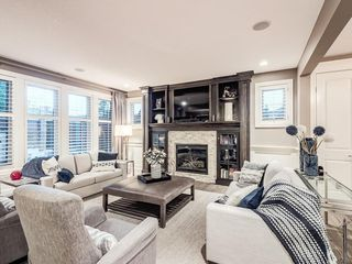 Photo 10: 22 CRESTRIDGE Mews SW in Calgary: Crestmont Detached for sale : MLS®# A1037467
