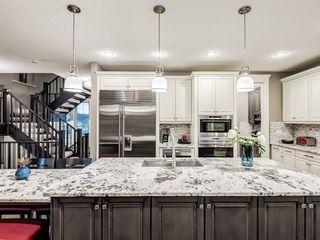 Photo 19: 22 CRESTRIDGE Mews SW in Calgary: Crestmont Detached for sale : MLS®# A1037467