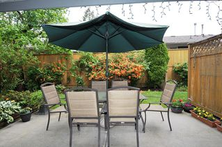 "Main Photo: 2 11580 BURNETT Street in Maple Ridge: East Central Townhouse for sale in ""Cedar Estates"" : MLS®# R2400950"