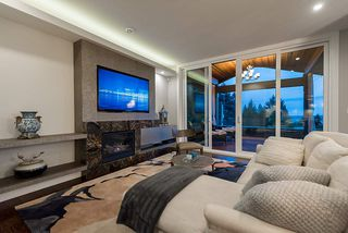 Photo 9: 1745 QUEENS Avenue in West Vancouver: Queens House for sale : MLS®# R2404608