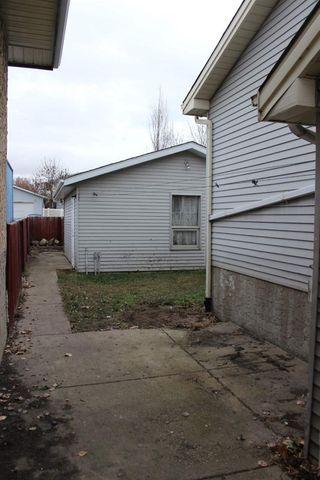 Photo 4: 3319 48 Street in Edmonton: Zone 29 House for sale : MLS®# E4180379