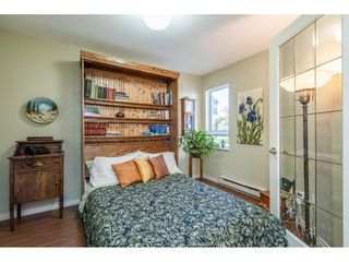 "Photo 15: 219 15991 THRIFT Avenue: White Rock Condo for sale in ""ARCADIAN"" (South Surrey White Rock)  : MLS®# R2456477"