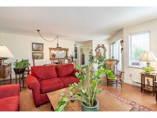 "Photo 13: 219 15991 THRIFT Avenue: White Rock Condo for sale in ""ARCADIAN"" (South Surrey White Rock)  : MLS®# R2456477"