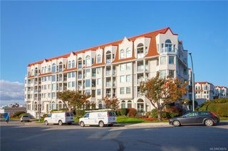 Photo 2: 113 10 Paul Kane Pl in Victoria: VW Songhees Condo Apartment for sale (Victoria West)  : MLS®# 836674