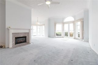 Photo 10: 113 10 Paul Kane Pl in Victoria: VW Songhees Condo Apartment for sale (Victoria West)  : MLS®# 836674