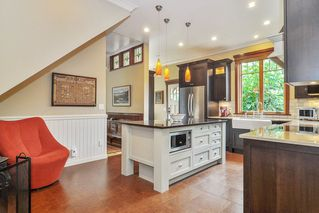 """Photo 13: 23212 88 Avenue in Langley: Fort Langley House for sale in """"Fort Langley Village"""" : MLS®# R2492264"""