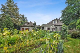 """Photo 3: 23212 88 Avenue in Langley: Fort Langley House for sale in """"Fort Langley Village"""" : MLS®# R2492264"""