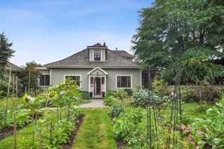 "Photo 1: 23212 88 Avenue in Langley: Fort Langley House for sale in ""Fort Langley Village"" : MLS®# R2492264"