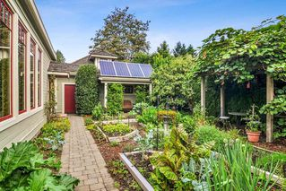 """Photo 29: 23212 88 Avenue in Langley: Fort Langley House for sale in """"Fort Langley Village"""" : MLS®# R2492264"""