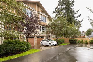 Photo 2: 101 827 Arncote Ave in : La Langford Proper Row/Townhouse for sale (Langford)  : MLS®# 856871