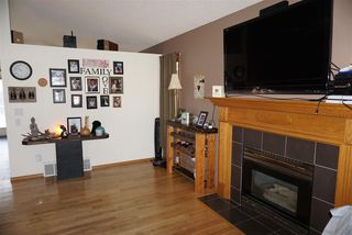 Photo 3: 12 Harcourt Crescent: St. Albert House for sale : MLS®# E4221446