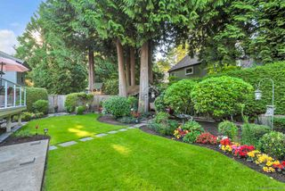 Photo 2: 12674 19 Avenue in Surrey: Crescent Bch Ocean Pk. House for sale (South Surrey White Rock)  : MLS®# R2392315