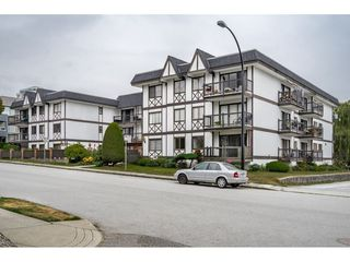 "Main Photo: 110 145 W 18TH Street in North Vancouver: Central Lonsdale Condo for sale in ""Tudor Court"" : MLS®# R2402028"
