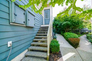"""Photo 2: 16 15454 32 Avenue in Surrey: Grandview Surrey Townhouse for sale in """"Nuvo"""" (South Surrey White Rock)  : MLS®# R2407588"""