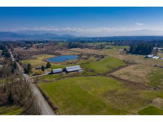 "Main Photo: 29750 HARRIS Road in Abbotsford: Bradner House for sale in ""Bradner/Mt. Lehman"" : MLS®# R2447302"