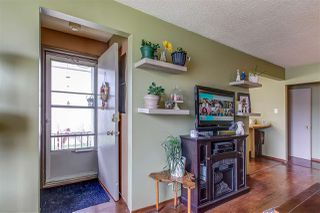 Photo 4: 10310 132 Avenue in Edmonton: Zone 01 House Half Duplex for sale : MLS®# E4197102