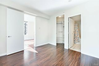 Photo 3: 301 7368 SANDBORNE Avenue in Burnaby: South Slope Condo for sale (Burnaby South)  : MLS®# R2475918