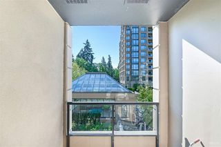 Photo 13: 301 7368 SANDBORNE Avenue in Burnaby: South Slope Condo for sale (Burnaby South)  : MLS®# R2475918