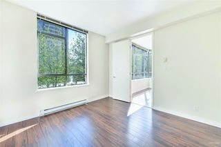 Photo 2: 301 7368 SANDBORNE Avenue in Burnaby: South Slope Condo for sale (Burnaby South)  : MLS®# R2475918