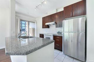 Photo 12: 301 7368 SANDBORNE Avenue in Burnaby: South Slope Condo for sale (Burnaby South)  : MLS®# R2475918