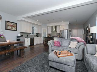 Photo 7: 948 Aral Rd in Esquimalt: Es Kinsmen Park House for sale : MLS®# 838946