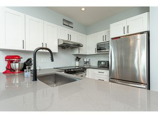 "Photo 15: 2401 963 CHARLAND Avenue in Coquitlam: Central Coquitlam Condo for sale in ""CHARLAND"" : MLS®# R2496928"