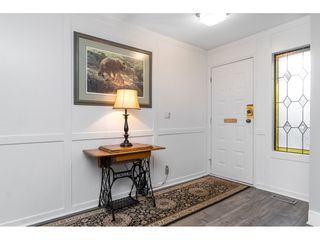 """Photo 4: 15929 102A Avenue in Surrey: Guildford House for sale in """"Somerset"""" (North Surrey)  : MLS®# R2522062"""