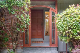 Photo 3: 4490 Copsewood Place in VICTORIA: SE Broadmead Single Family Detached for sale (Saanich East)  : MLS®# 417294
