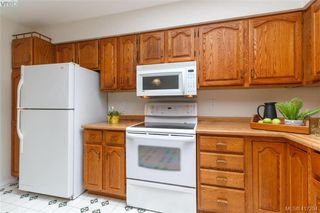 Photo 9: 4490 Copsewood Place in VICTORIA: SE Broadmead Single Family Detached for sale (Saanich East)  : MLS®# 417294