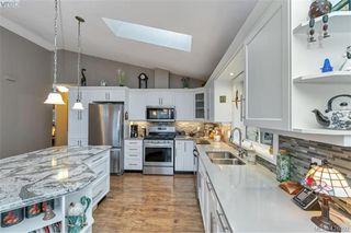 Photo 5: 3589 Sun Vista in VICTORIA: La Walfred Single Family Detached for sale (Langford)  : MLS®# 421092