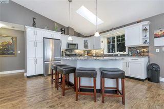 Photo 3: 3589 Sun Vista in VICTORIA: La Walfred Single Family Detached for sale (Langford)  : MLS®# 421092