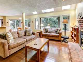 Photo 2: 9544 Glenelg Ave in North Saanich: NS Ardmore House for sale : MLS®# 841259