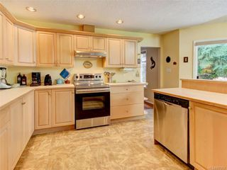 Photo 3: 9544 Glenelg Ave in North Saanich: NS Ardmore House for sale : MLS®# 841259