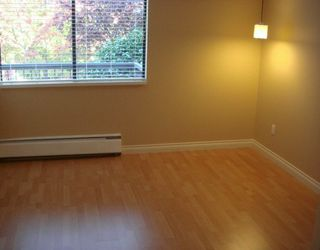 """Photo 5: 588 E 5TH Ave in Vancouver: Mount Pleasant VE Condo for sale in """"MCGREGOR HOUSE"""" (Vancouver East)  : MLS®# V616777"""