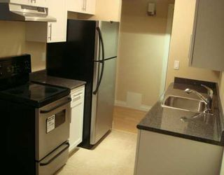 """Photo 2: 588 E 5TH Ave in Vancouver: Mount Pleasant VE Condo for sale in """"MCGREGOR HOUSE"""" (Vancouver East)  : MLS®# V616777"""