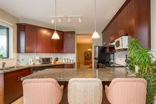 """Photo 4: 502 1581 FOSTER Street: White Rock Condo for sale in """"Sussex House"""" (South Surrey White Rock)  : MLS®# R2390075"""
