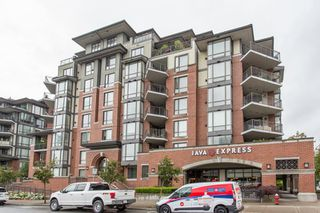 "Photo 1: 502 1581 FOSTER Street: White Rock Condo for sale in ""Sussex House"" (South Surrey White Rock)  : MLS®# R2390075"