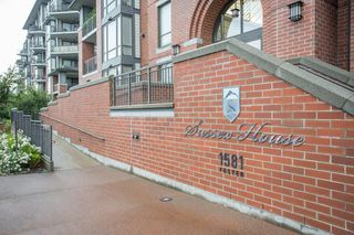 "Photo 2: 502 1581 FOSTER Street: White Rock Condo for sale in ""Sussex House"" (South Surrey White Rock)  : MLS®# R2390075"
