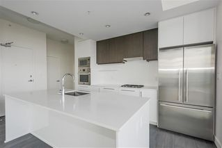 "Photo 2: 1801 188 AGNES Street in New Westminster: Downtown NW Condo for sale in ""AGNES & ELLIOT"" : MLS®# R2427736"