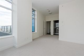 "Photo 12: 1801 188 AGNES Street in New Westminster: Downtown NW Condo for sale in ""AGNES & ELLIOT"" : MLS®# R2427736"