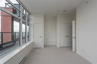 "Photo 15: 1801 188 AGNES Street in New Westminster: Downtown NW Condo for sale in ""AGNES & ELLIOT"" : MLS®# R2427736"